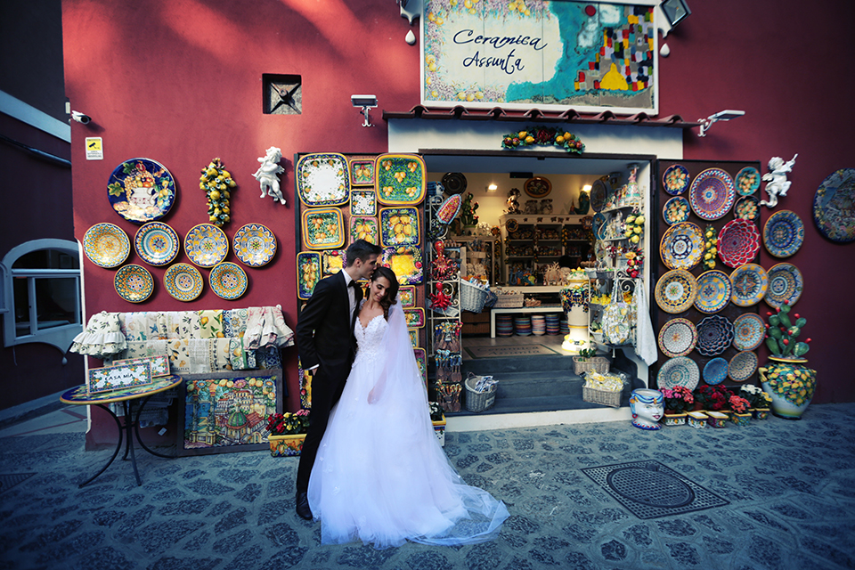 positano-weddin-photographers-italy-wedding-photographers-destination-wedding-photographers-estilo-best-wedding-photographers-in-the-world-casper-bosman-wedding-gown-wedding-style-stylish-modern-wedding-photography-035.jpg