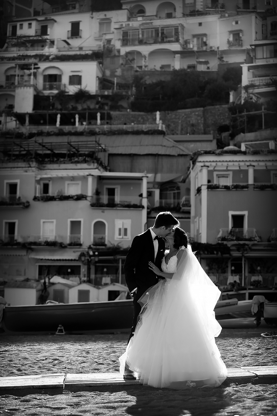 positano-weddin-photographers-italy-wedding-photographers-destination-wedding-photographers-estilo-best-wedding-photographers-in-the-world-casper-bosman-wedding-gown-wedding-style-stylish-modern-wedding-photography-038.jpg