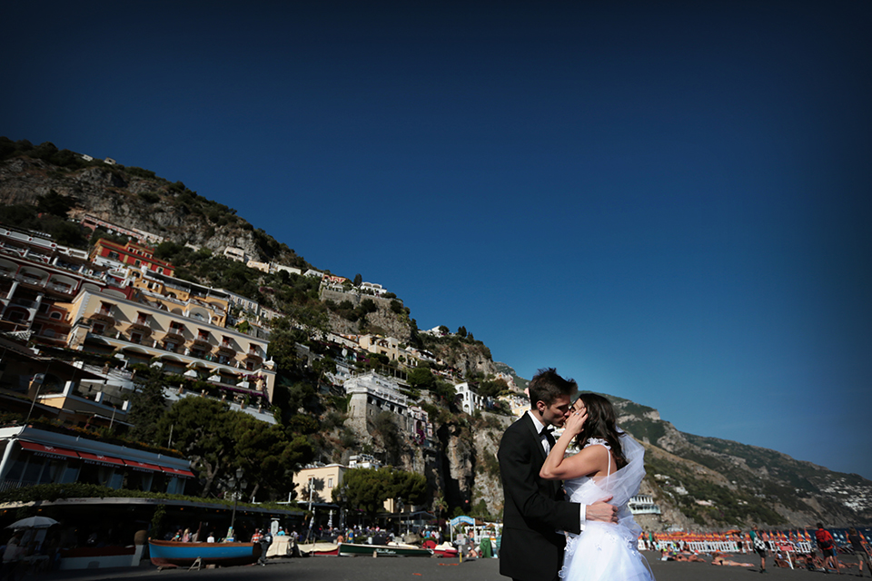 positano-weddin-photographers-italy-wedding-photographers-destination-wedding-photographers-estilo-best-wedding-photographers-in-the-world-casper-bosman-wedding-gown-wedding-style-stylish-modern-wedding-photography-040.jpg