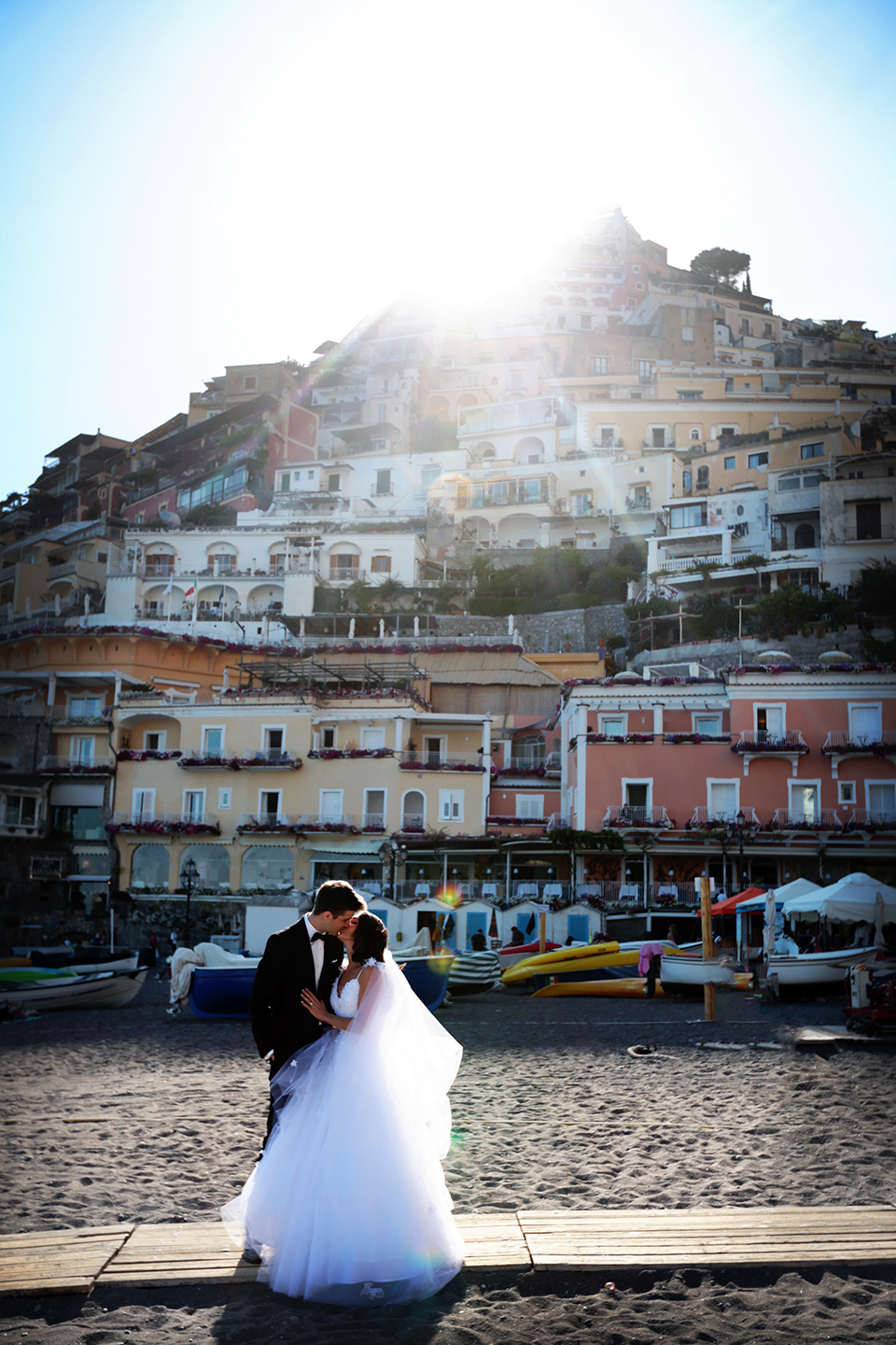 positano-weddin-photographers-italy-wedding-photographers-destination-wedding-photographers-estilo-best-wedding-photographers-in-the-world-casper-bosman-wedding-gown-wedding-style-stylish-modern-wedding-photography-039.jpg