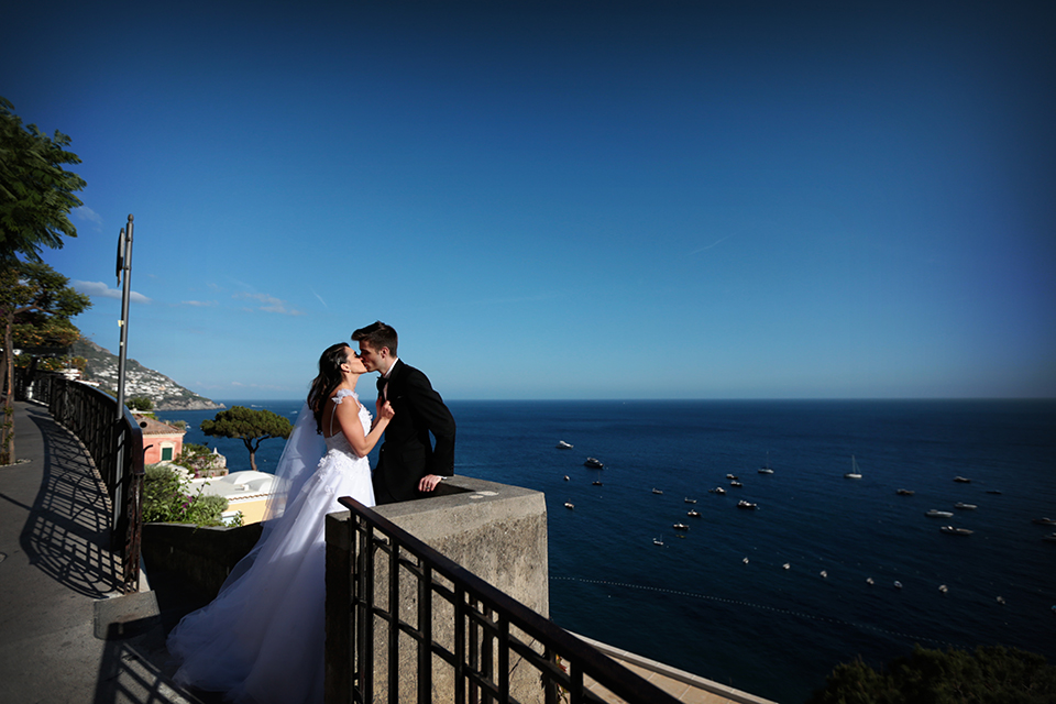 positano-weddin-photographers-italy-wedding-photographers-destination-wedding-photographers-estilo-best-wedding-photographers-in-the-world-casper-bosman-wedding-gown-wedding-style-stylish-modern-wedding-photography-048.jpg