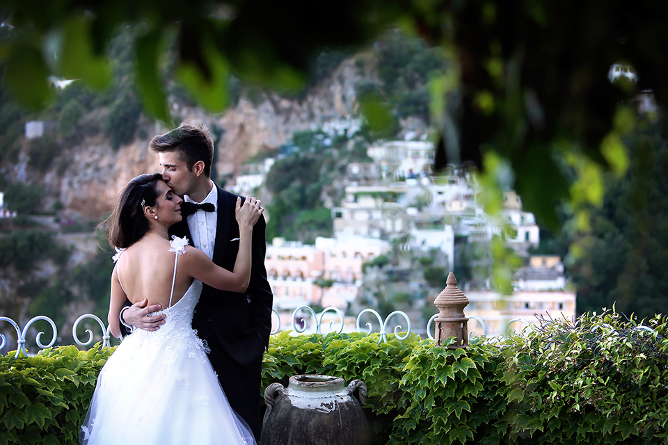 positano-weddin-photographers-italy-wedding-photographers-destination-wedding-photographers-estilo-best-wedding-photographers-in-the-world-casper-bosman-wedding-gown-wedding-style-stylish-modern-wedding-photography-058.jpg