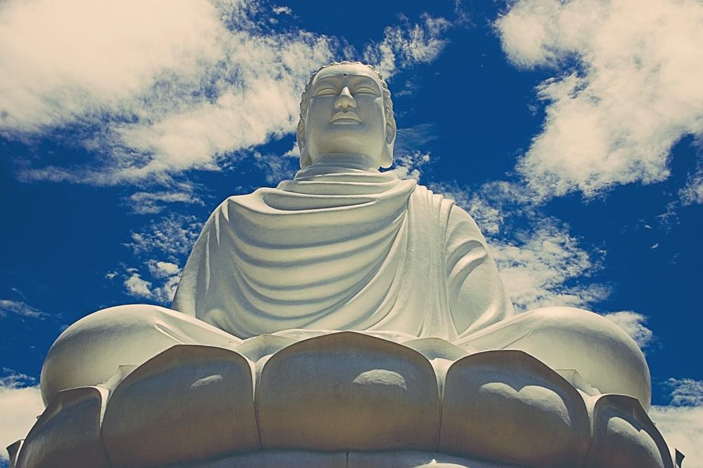 Buddha_statue,_Nha_Trang.png