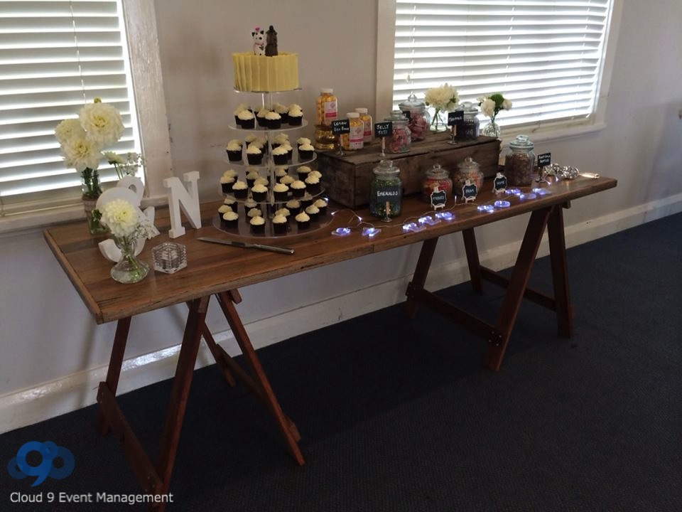 Wedding Reception - Cake & sweet table