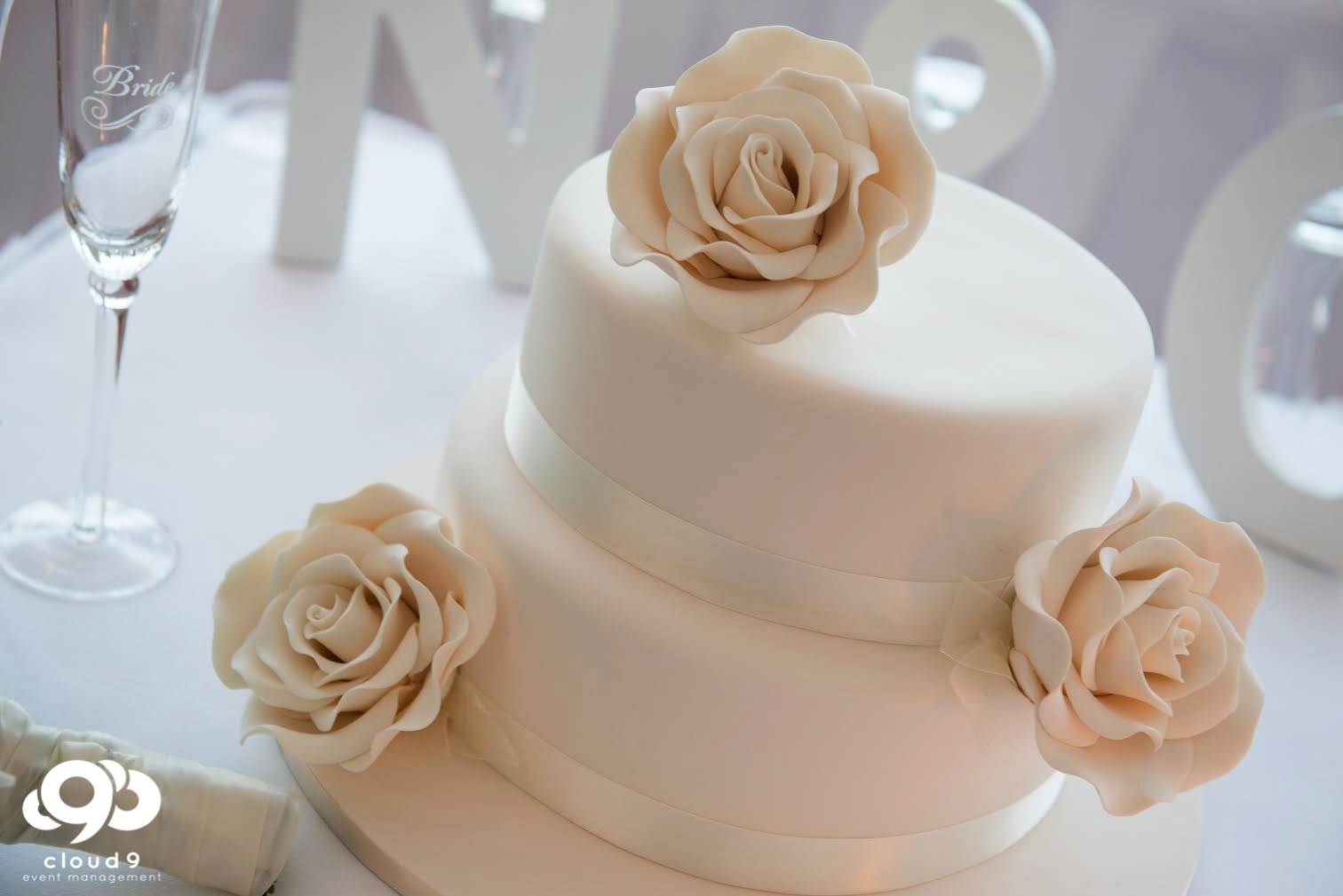 NarrabeenBeachSLSC_Wedding-7.jpg