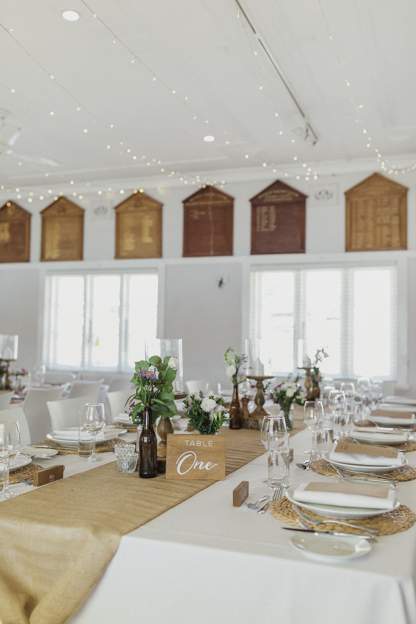 Rustic_Wedding_Table_Styling_Ideas.jpg