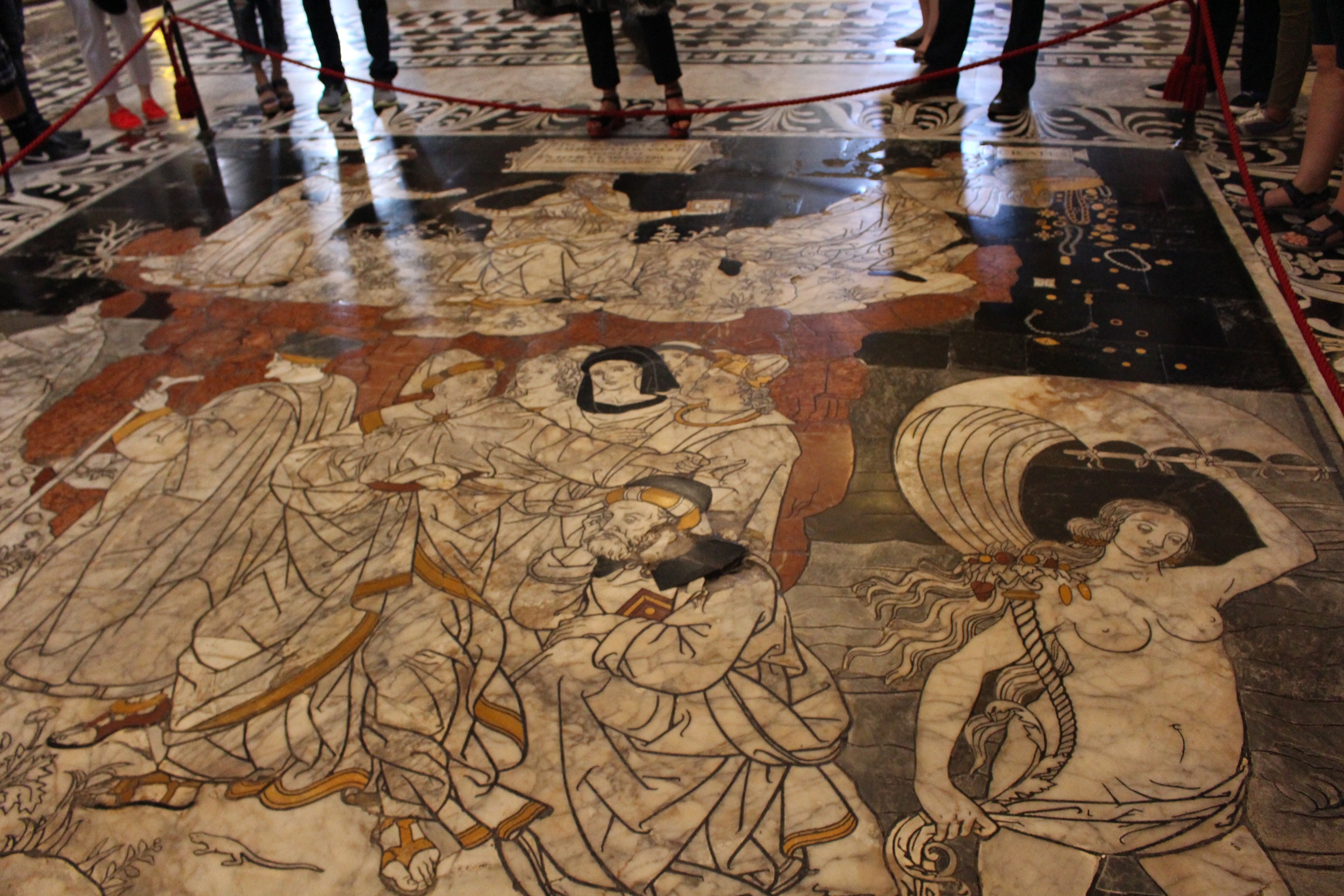 The whole floor was made of marble artwork