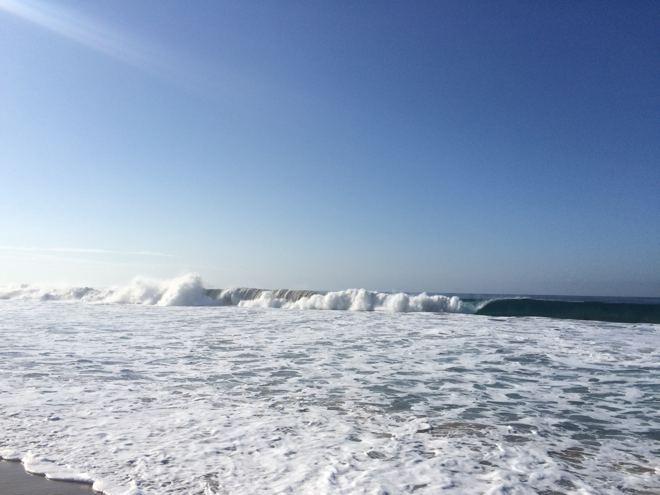 Last weekend I experienced the waves in the morning, and quickly found a weekend morning favorite spot.