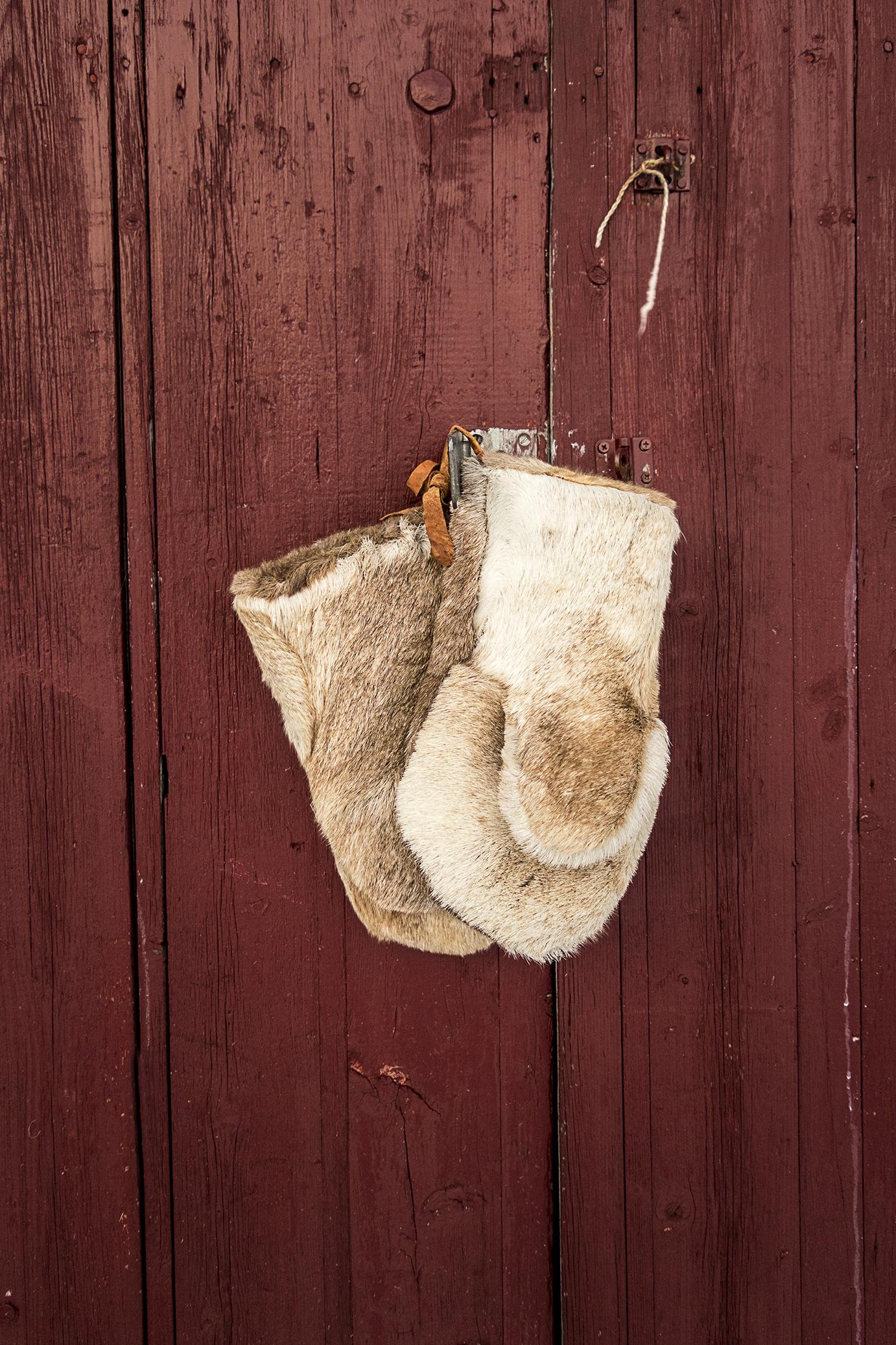 Sami reindeer gloves
