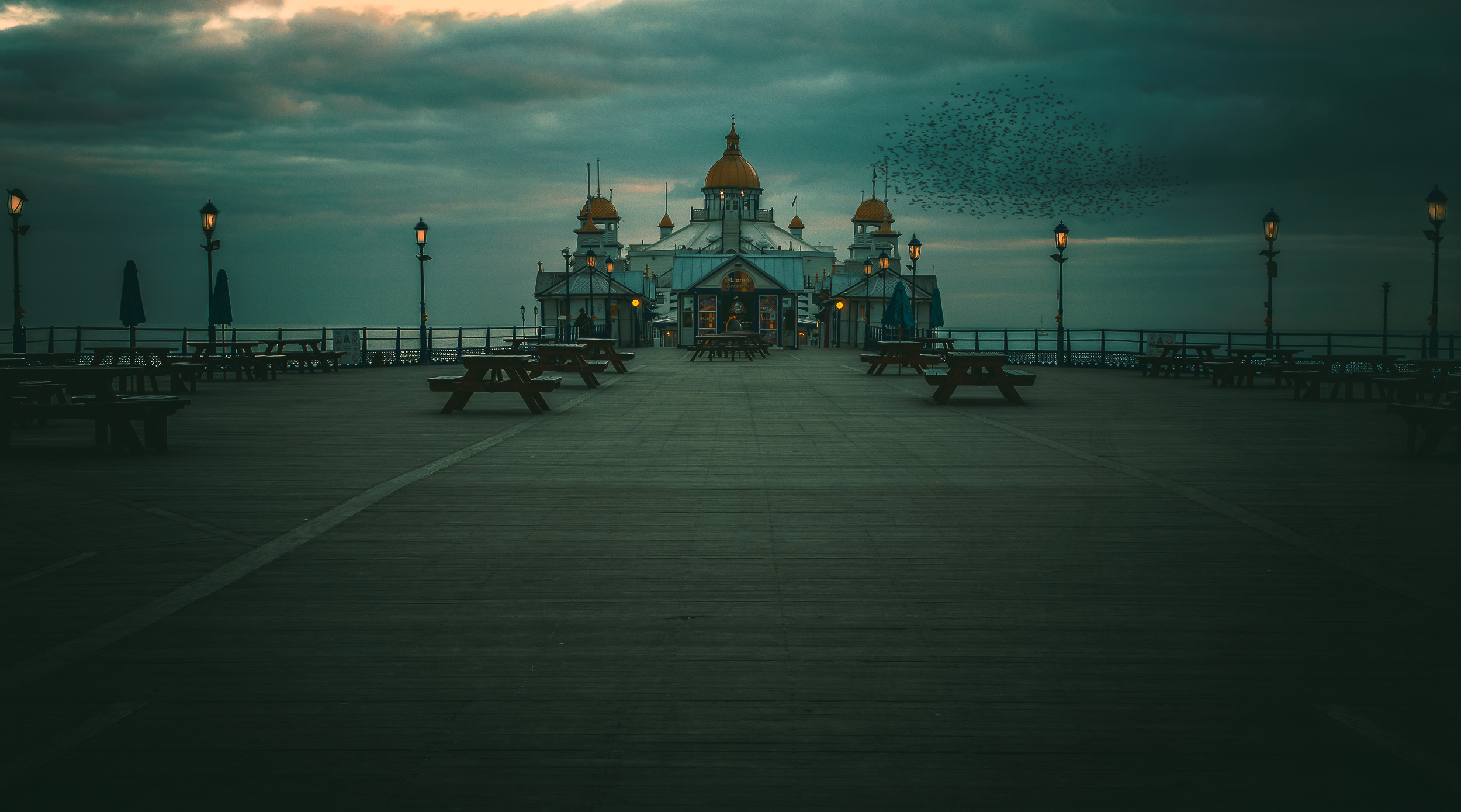 sussex-a-silent-night-on-eastbourne-pier.jpg