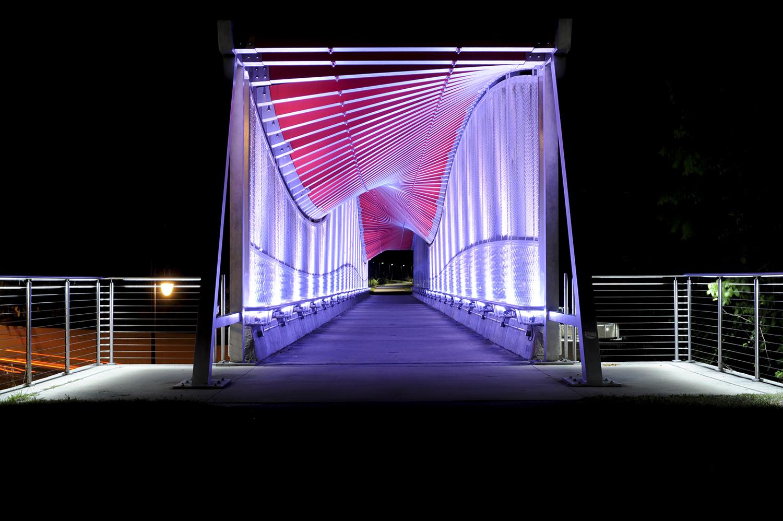 The Helix DNA Bridge