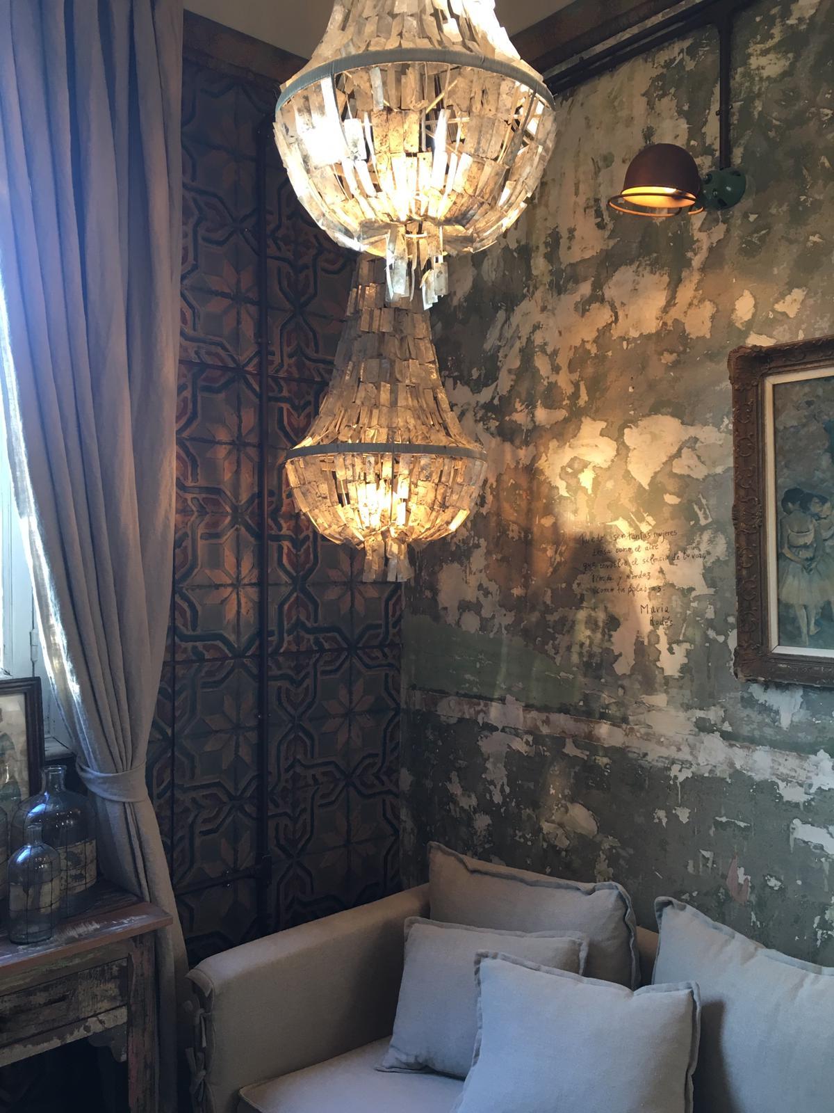 Ofelia Home Deco