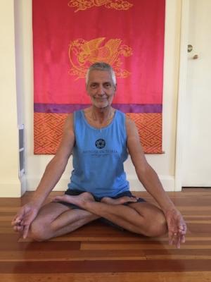 David Knee in Padmasana