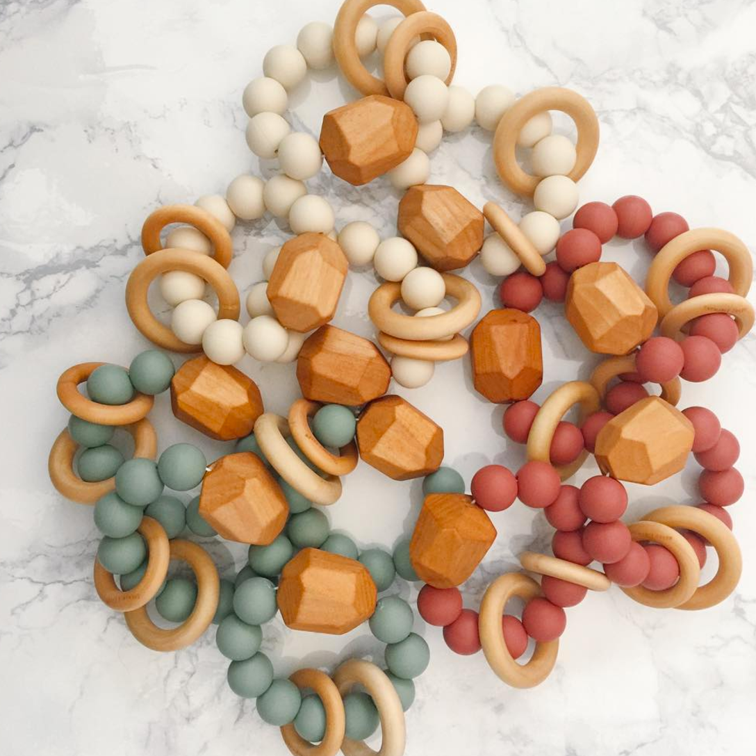 Chewable Charm - Stylish teething necklaces