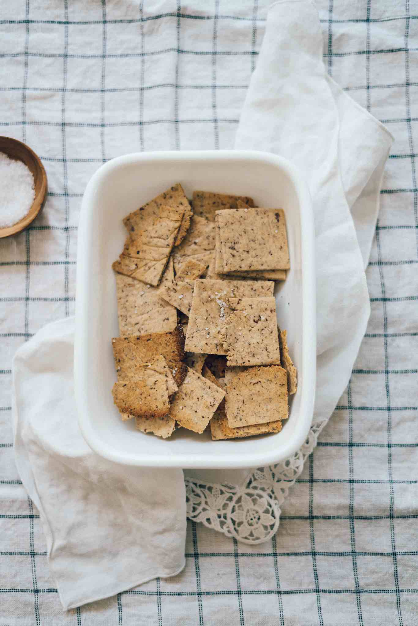 Homemade Gluten Free Crackers Recipe (Easy To Make) - Whole Grain Crackers - No Gums or Starches