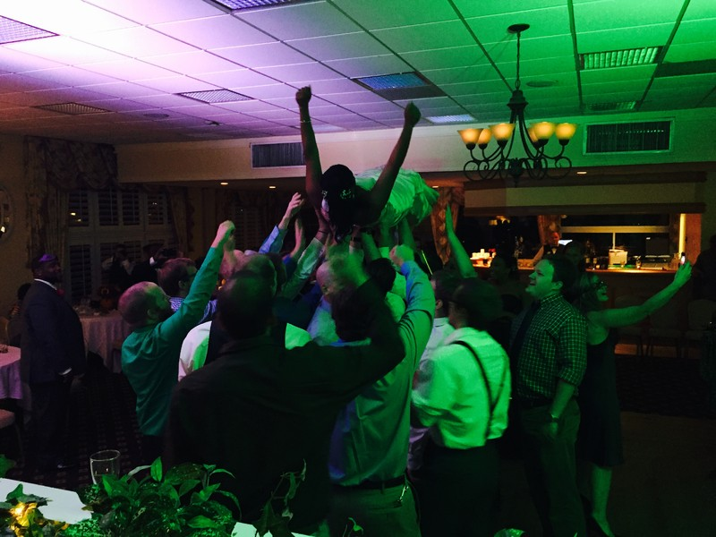 800x800_1415048329453-bride-crowd-surfing.jpg