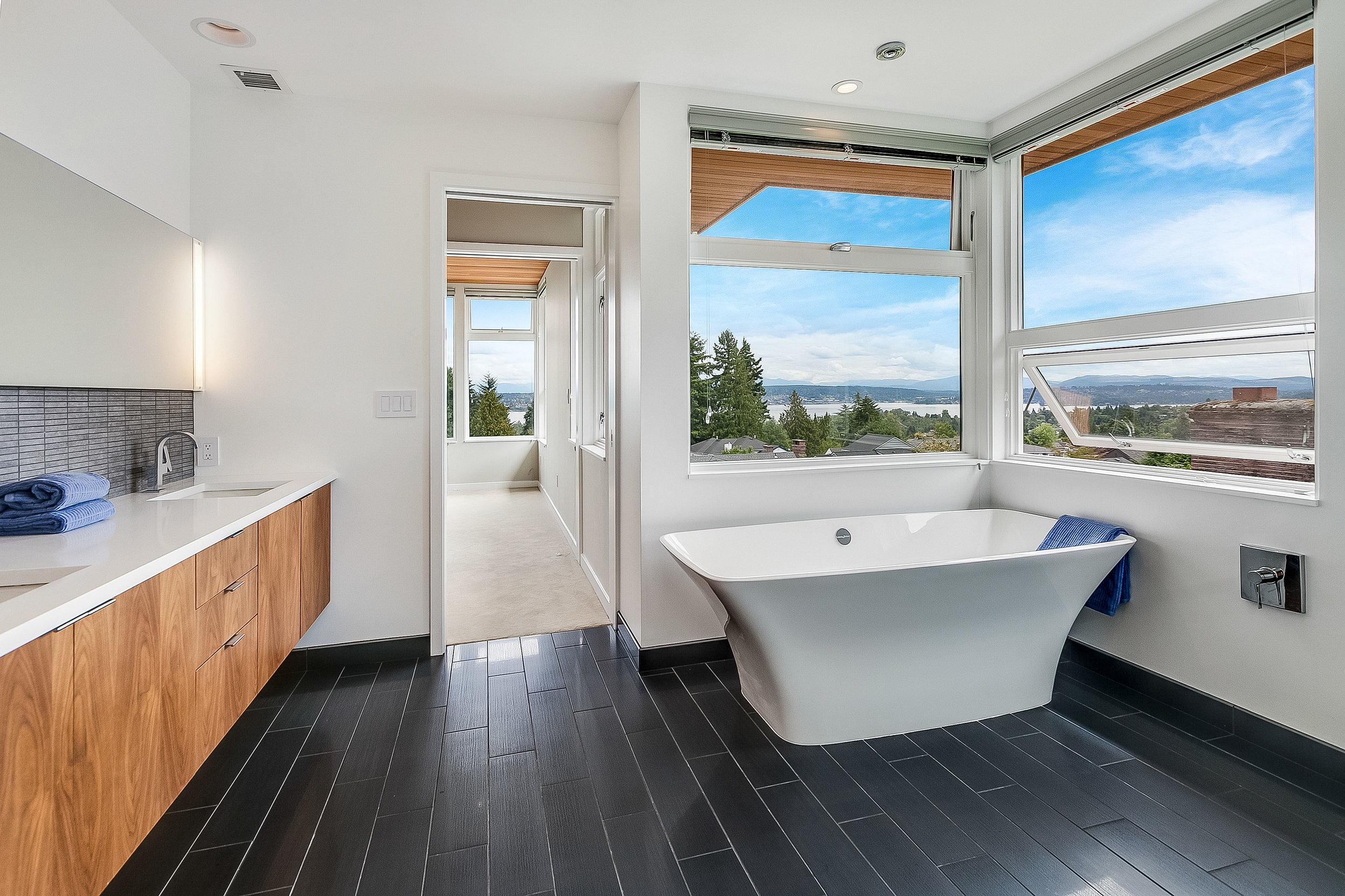 new_bath_modern_seattle_architect_architecture_skie