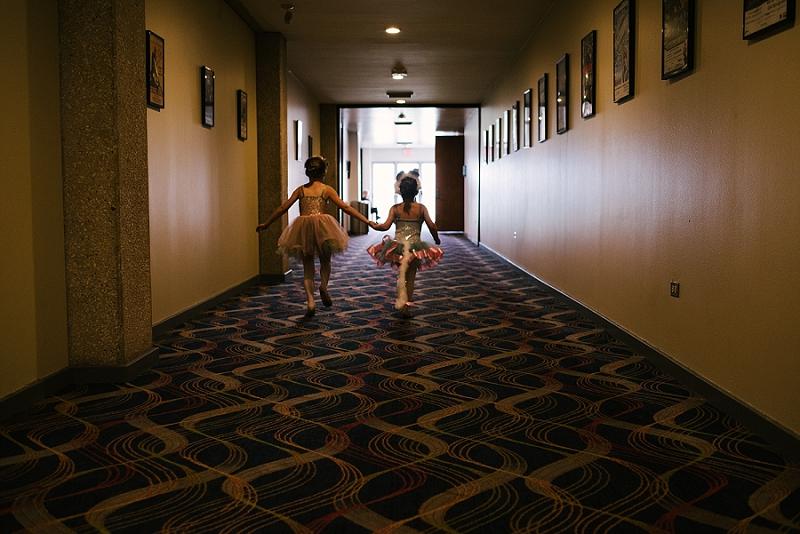Mae Burke Motherhood Photographer First Ballet Recital_0101.jpg