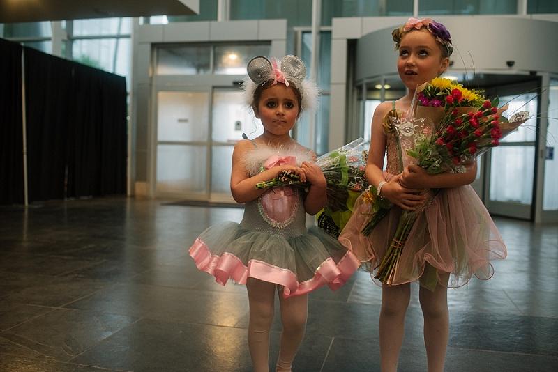Mae Burke Motherhood Photographer First Ballet Recital_0113.jpg