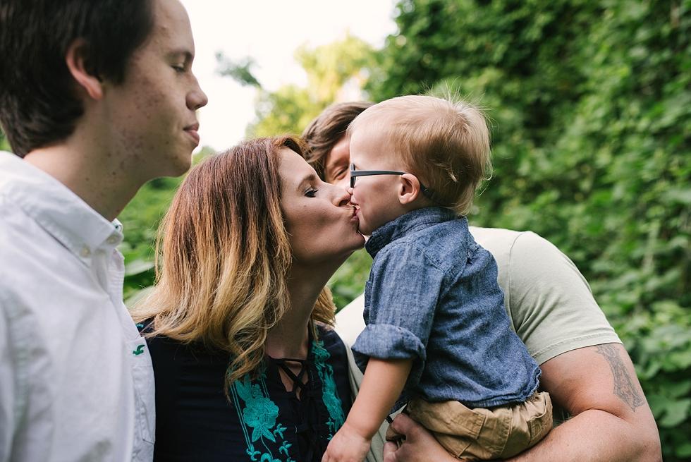 Mae Burke Motherhood Photographer Alabama Family Session At Home-33.JPG