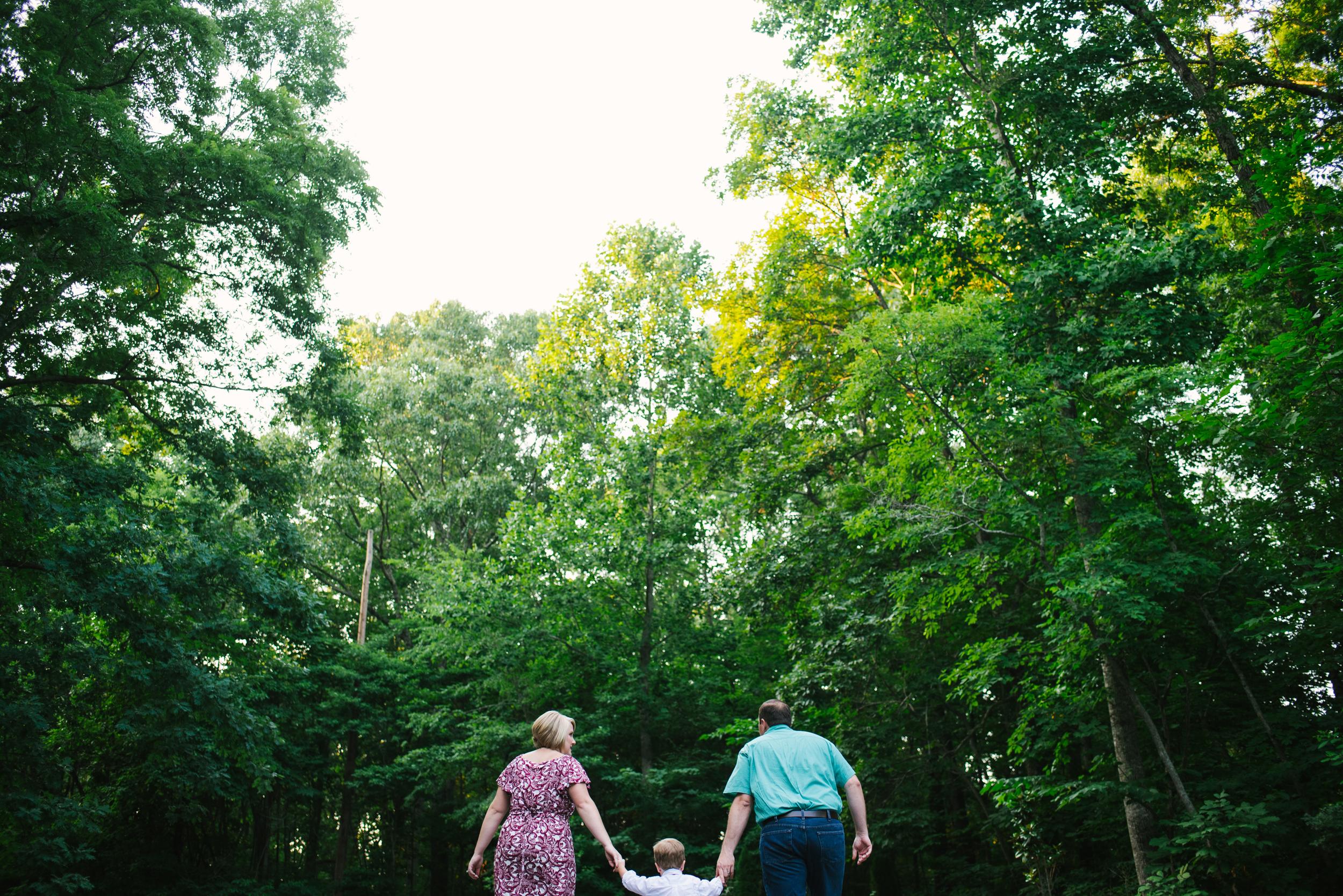 Mae Burke Motherhood Photographer Family Session in Alabama-21.JPG
