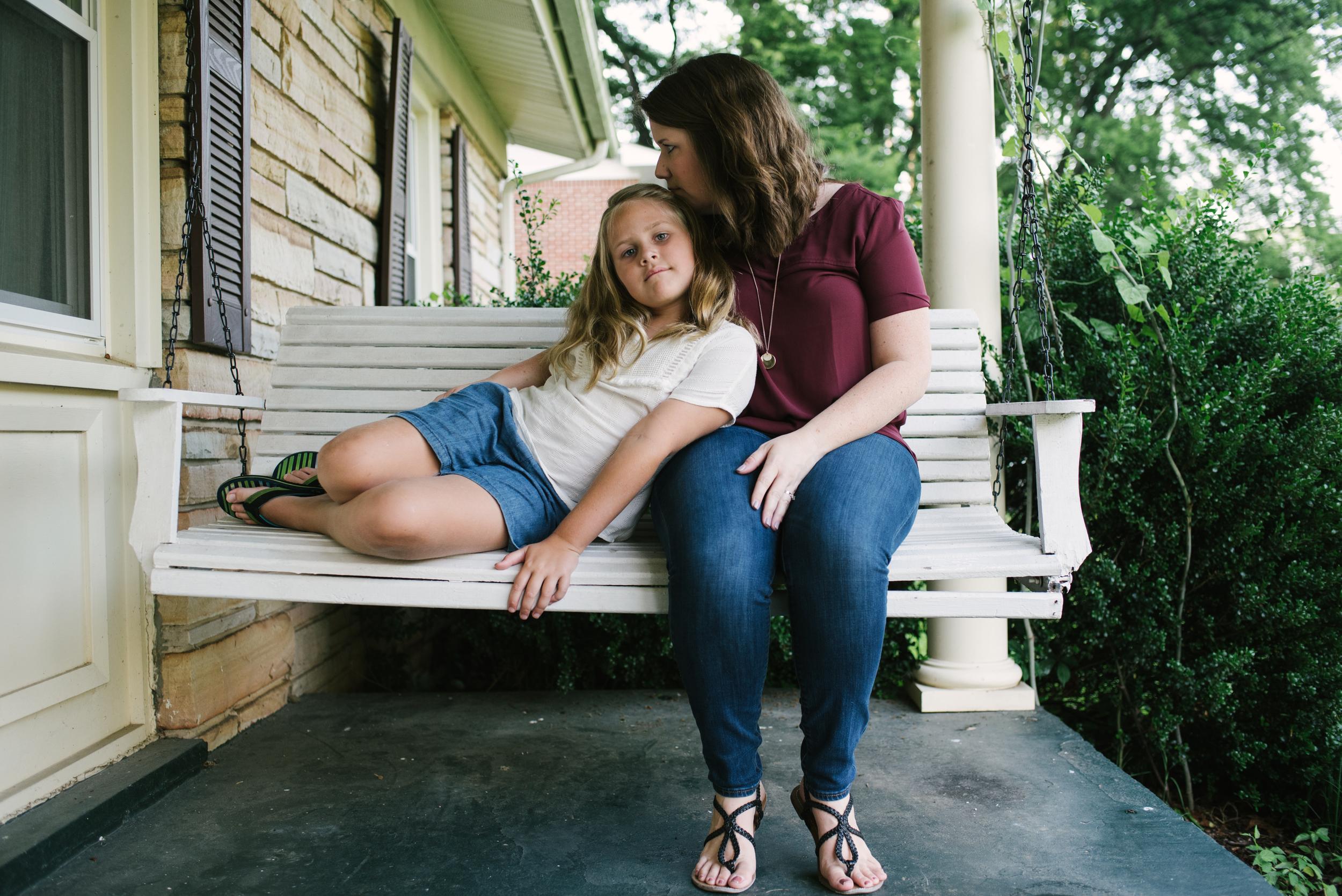 Mae Burke Motherhood Photographer Family Session at Home in Alabama-9.JPG