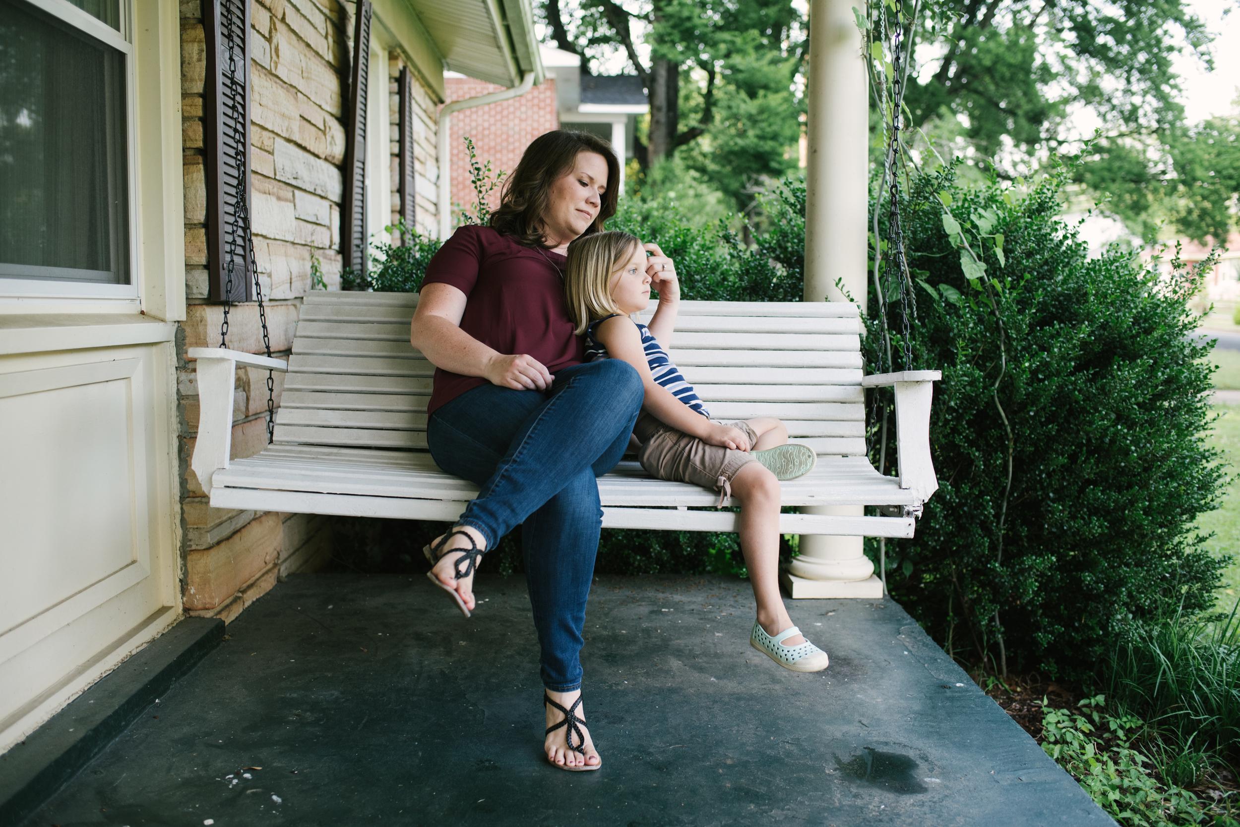 Mae Burke Motherhood Photographer Family Session at Home in Alabama-11.JPG