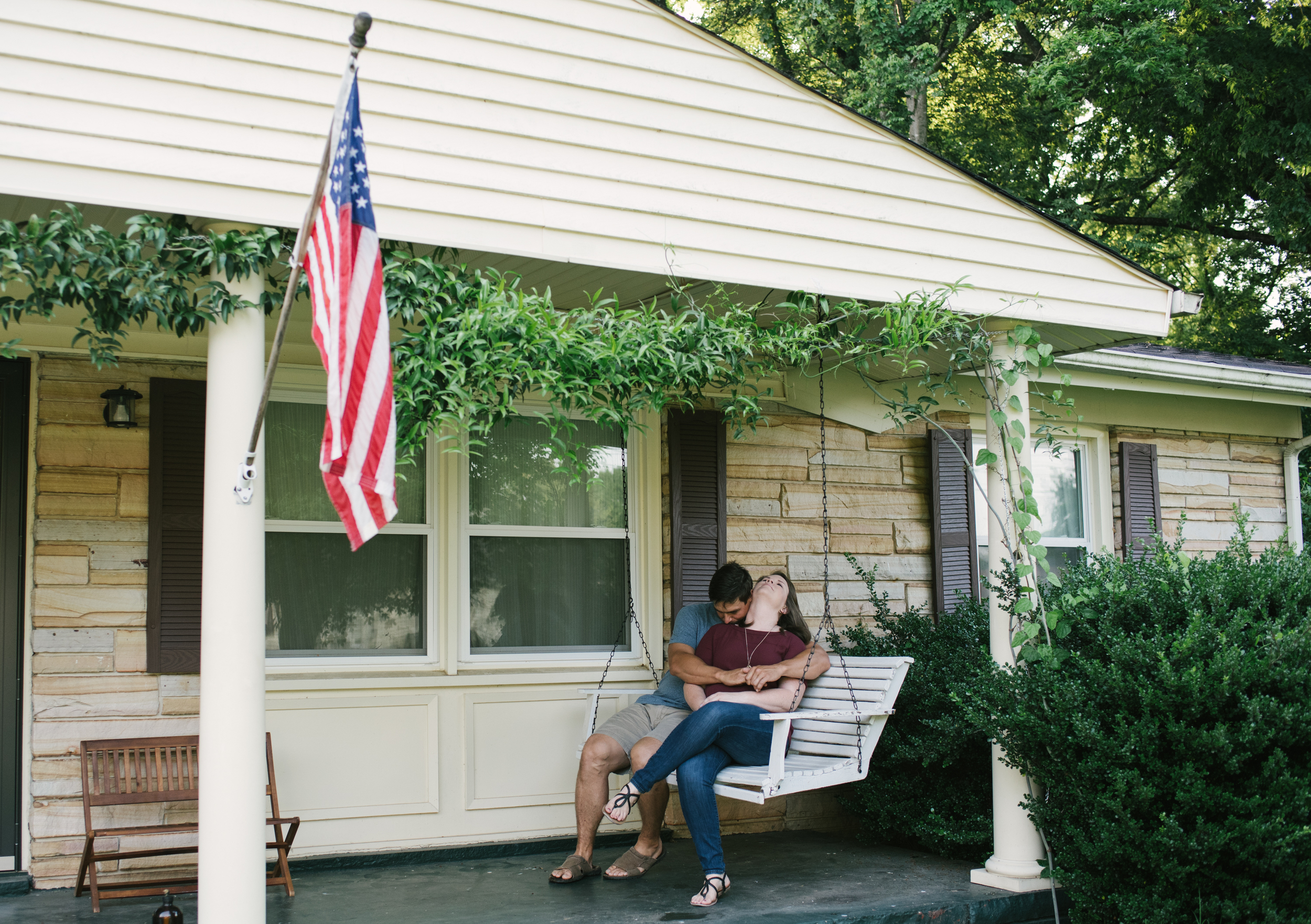 Mae Burke Motherhood Photographer Family Session at Home in Alabama-15.JPG