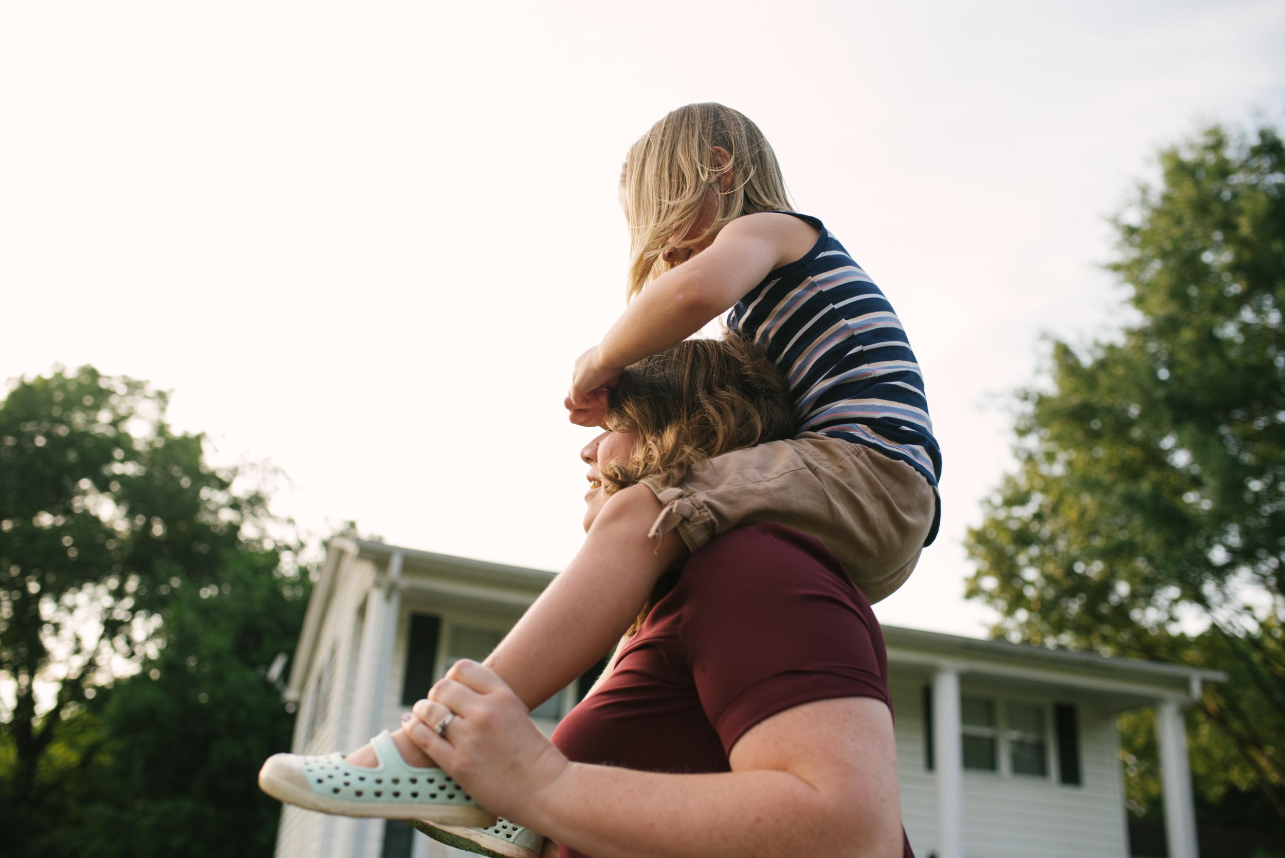 Mae Burke Motherhood Photographer Family Session at Home in Alabama-21.JPG