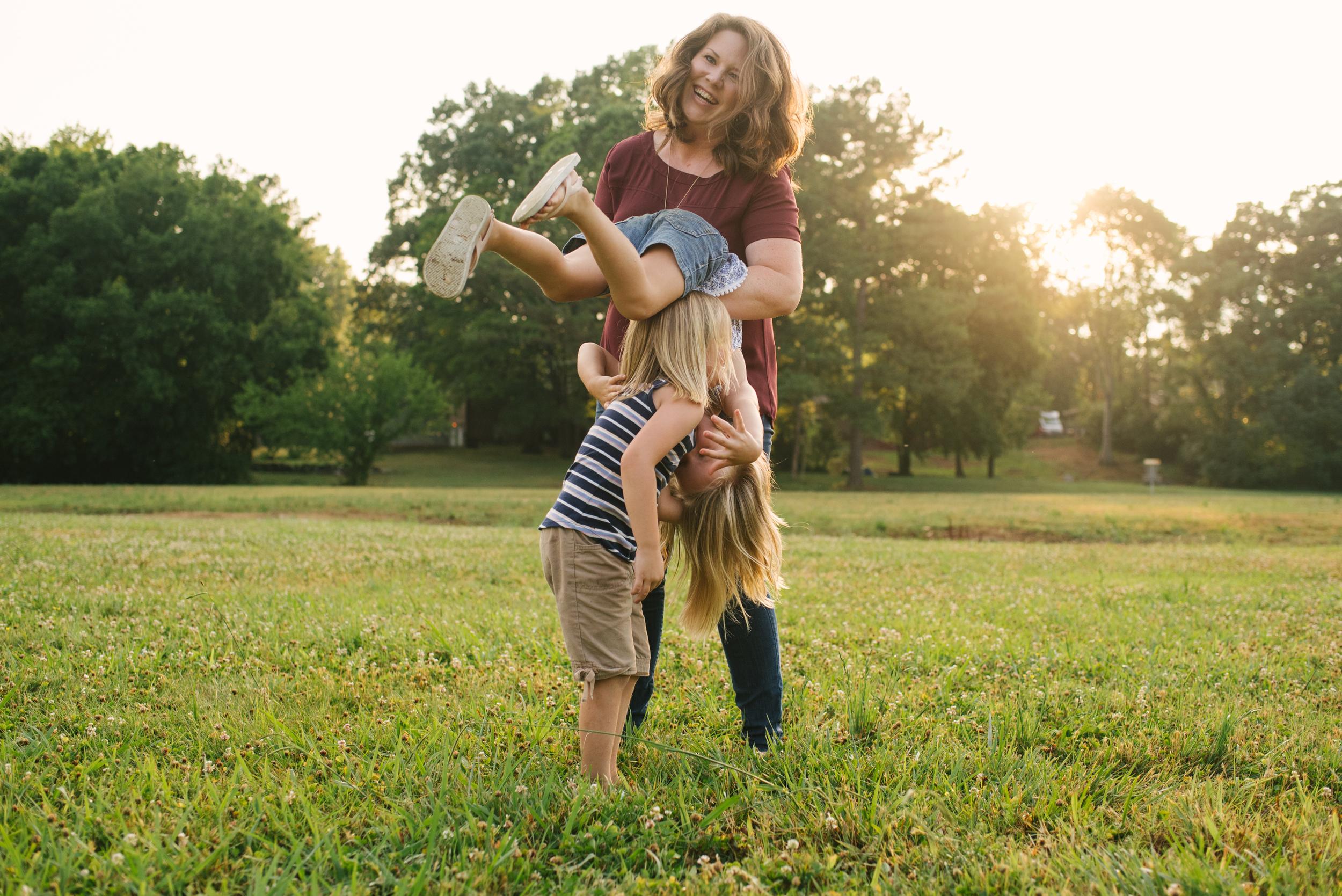 Mae Burke Motherhood Photographer Family Session at Home in Alabama-30.JPG