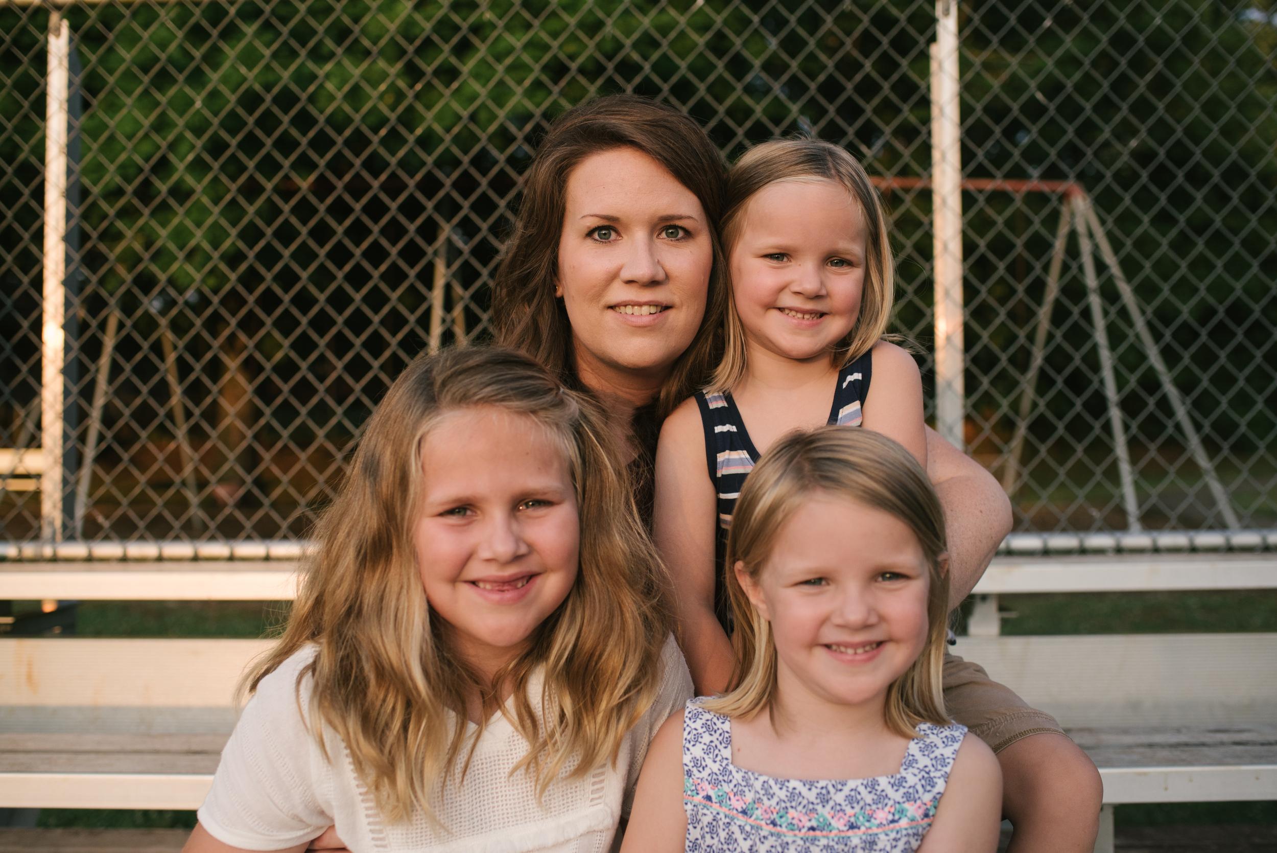 Mae Burke Motherhood Photographer Family Session at Home in Alabama-48.JPG