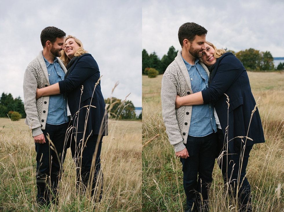 Mae Burke Fall Seattle Family Session Twins at Discovery Park-28.JPG