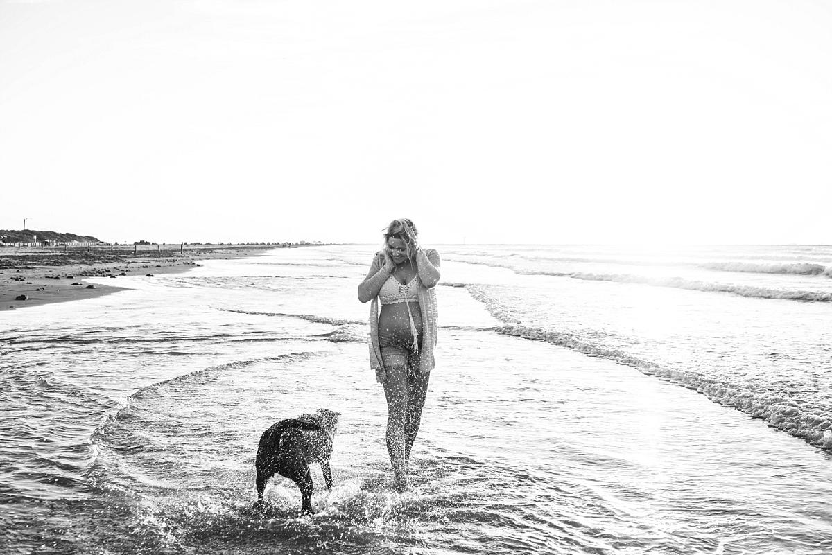 Mae Burke Port Aransas Coastal Bend Maternity Photographer Jeffery Family-16.JPG