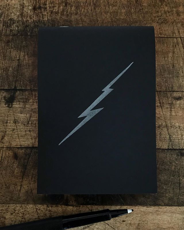 ⚡️ Silver lightning bolt on a black cover with bright coral pages. Handmade notepad printed on a letterpress 🛠