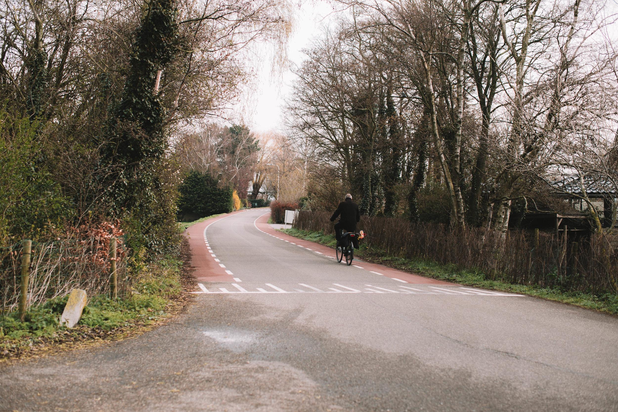 man-biking-hillegom