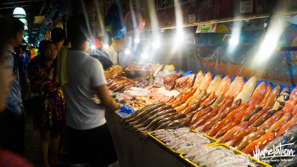 Dampa Bay Seafood Market Manila Bay. 2015.