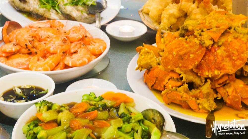 Dampa bay restaurant. Manila bay. Fresh seafood. illumelation 2015.