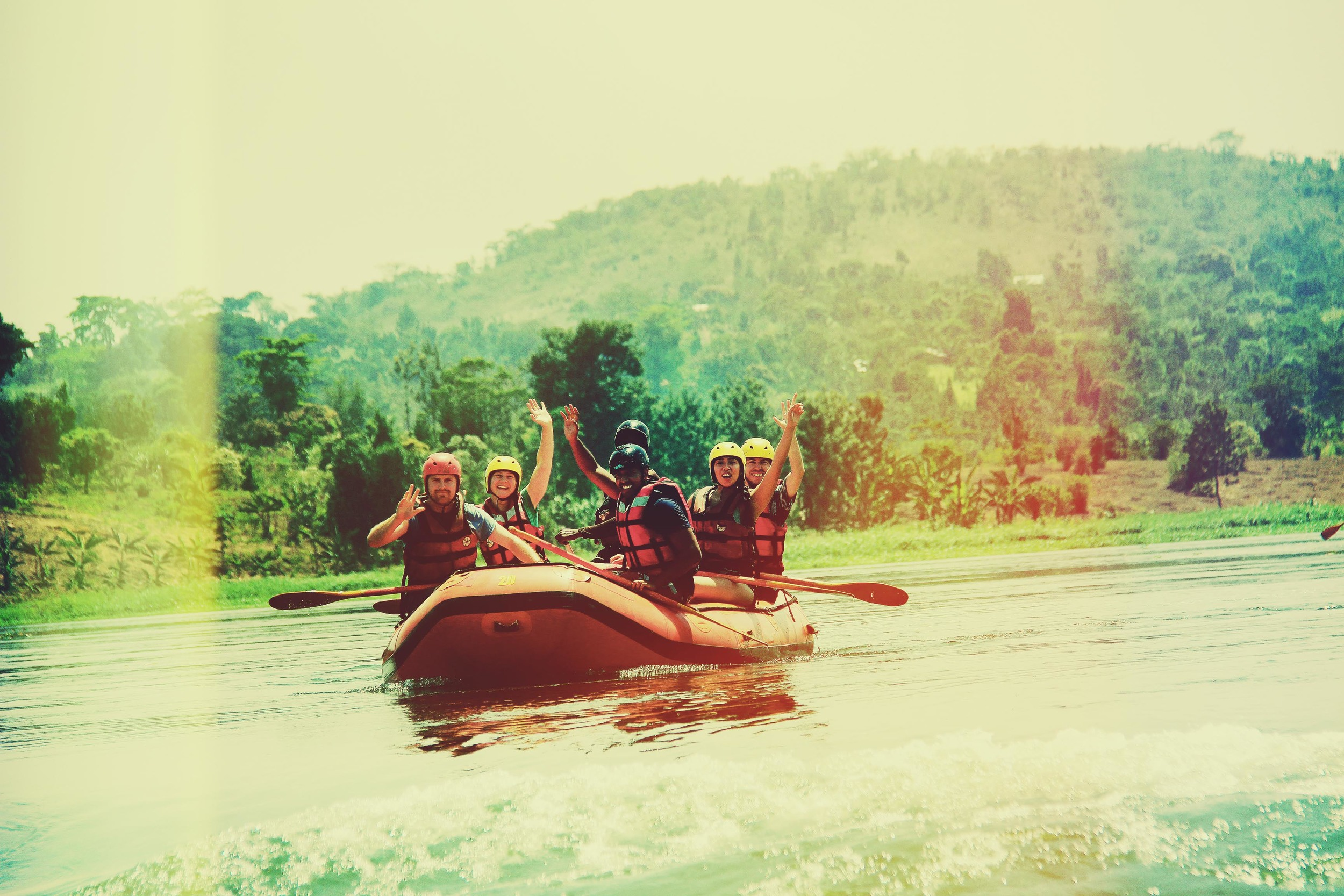 illumelation-group-raft-africa-white-water-river-nile-uganda.jpg