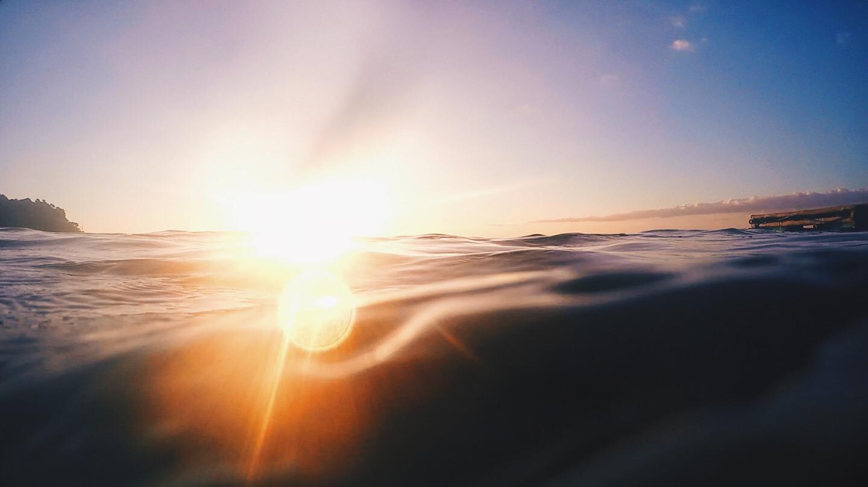 相思度假村和潜水中心,镜头光晕,海洋日落,马比尼,阿尼劳,八打加斯,菲律宾