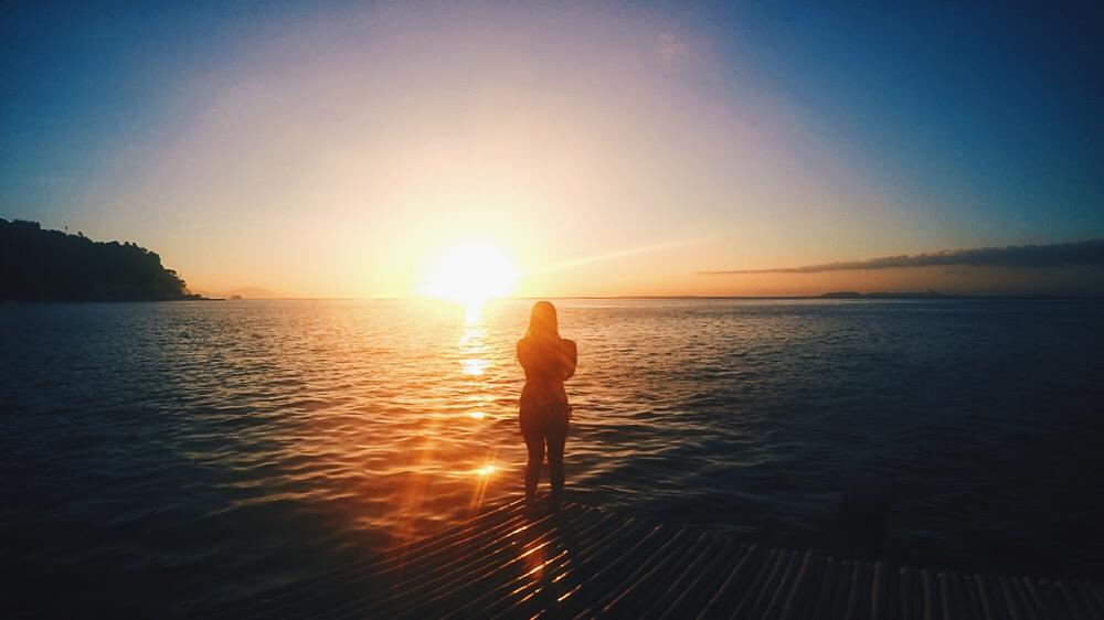 相思度假村和潜水中心,海洋日落,马比尼,阿尼劳,八打加斯,菲律宾