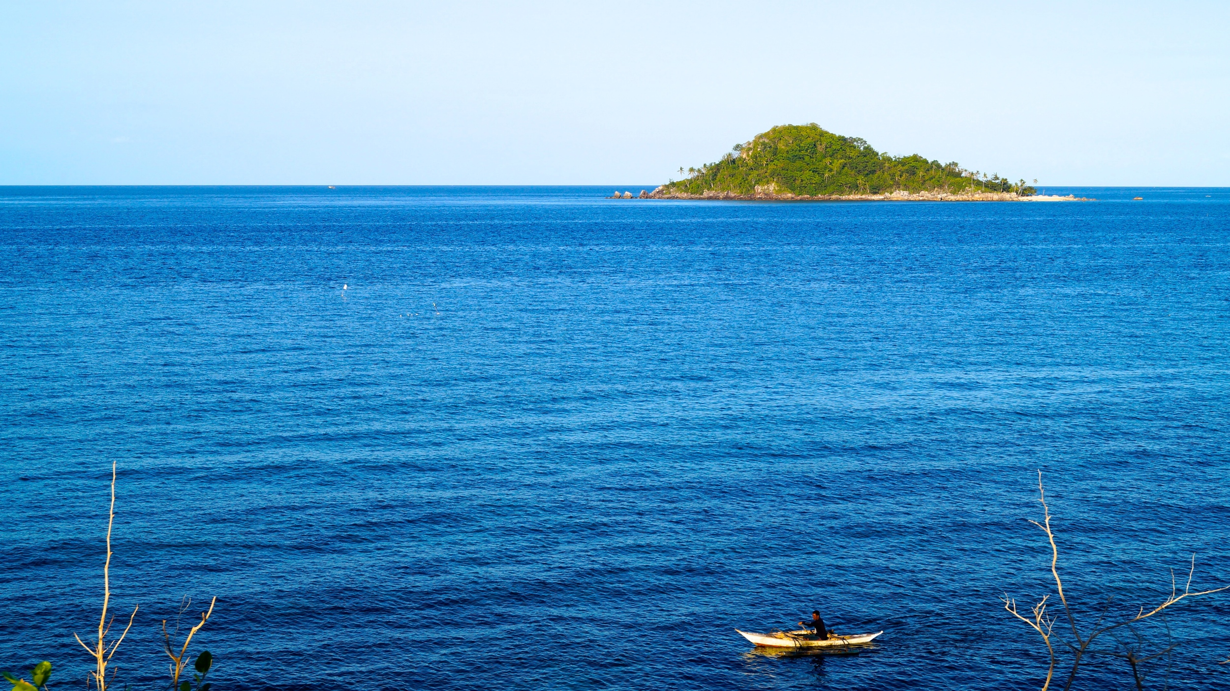 Islas de Gigantes, Visayan Sea, Bangka Fisherman - illumelation.com