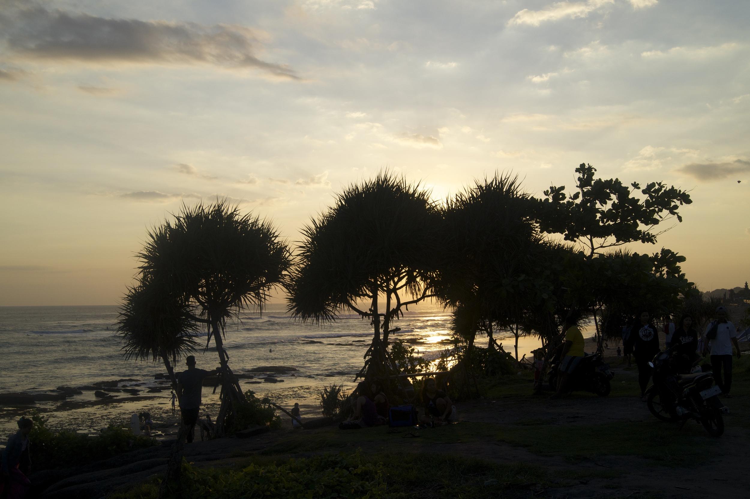 苍谷老人海滩的美丽日落。从CangguSTAY步行约25分钟或骑摩托车约10分钟!