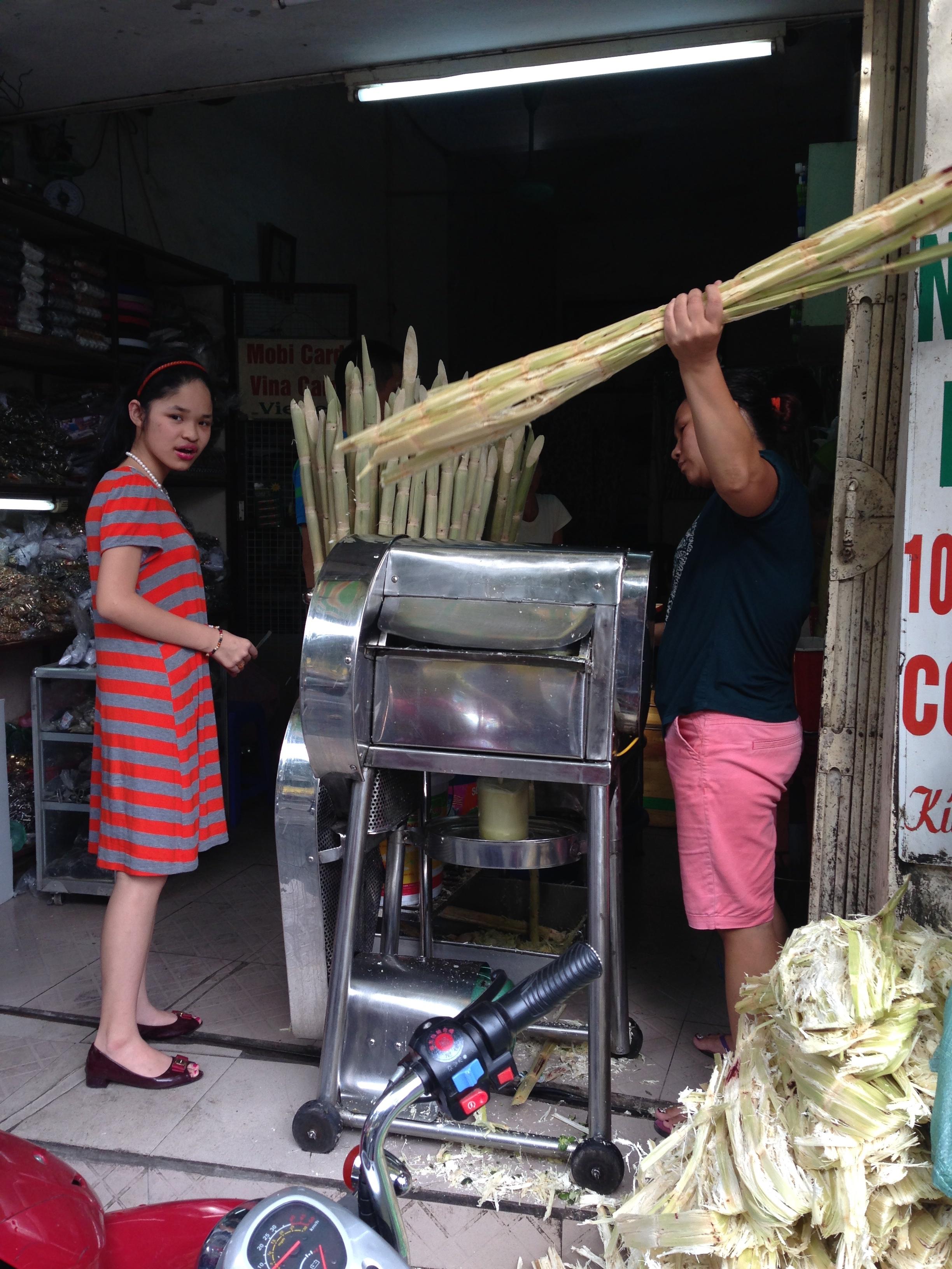 Sugarcane juice machine in Hanoi, Vietnam - illumelation.com