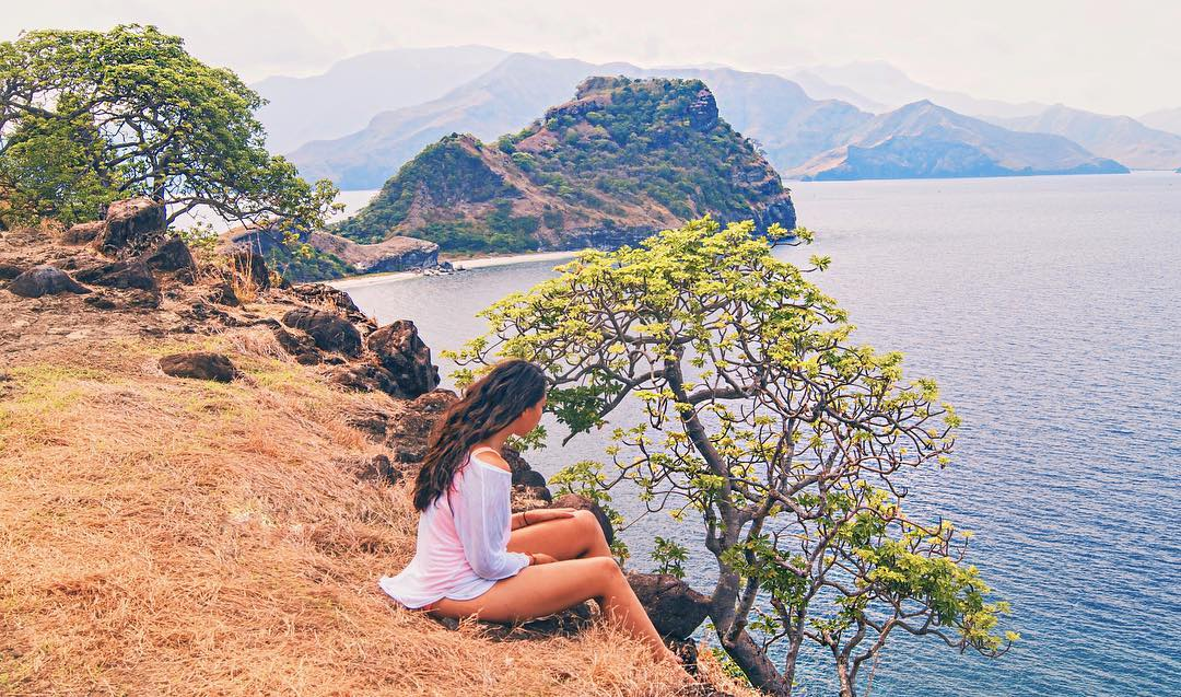 Looking down at the ocean on Capones Island, Zambales Province - Luzon, Philippines