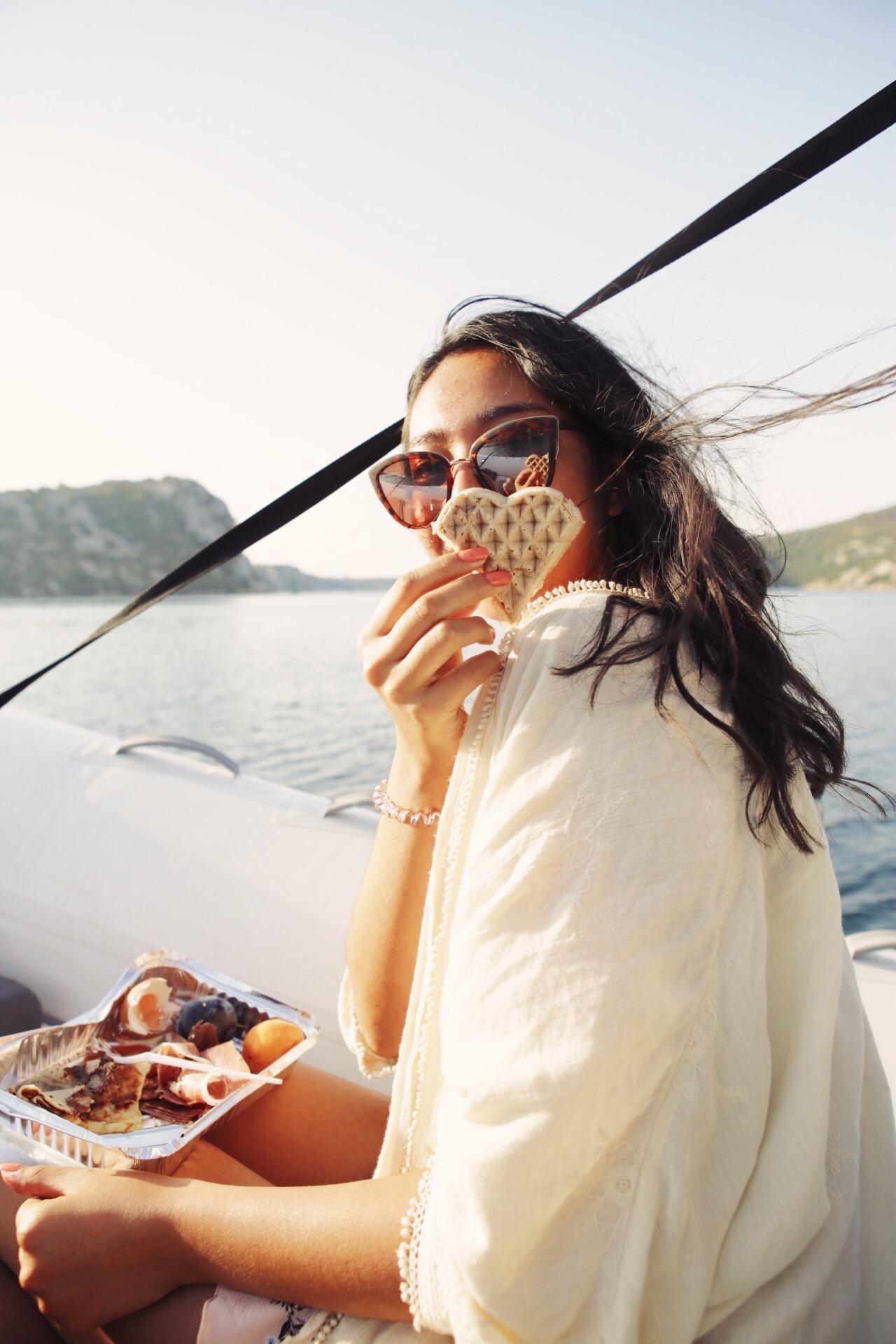 The Admiral Zaton - Heart Waffles - Takeaway Breakfast before Krka - Sibenik, Croatia - illumelation
