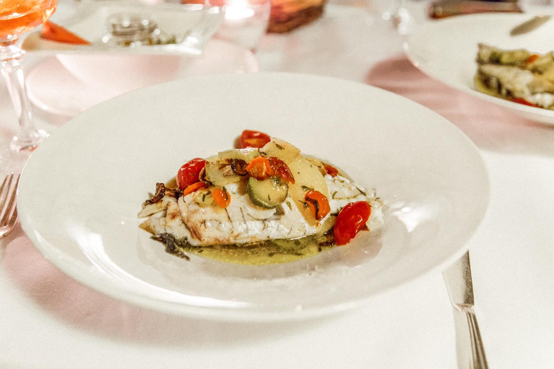 意大利普利亚的Masseria Torre Coccaro餐厅的美食和食物(17个中的15个)。jpg