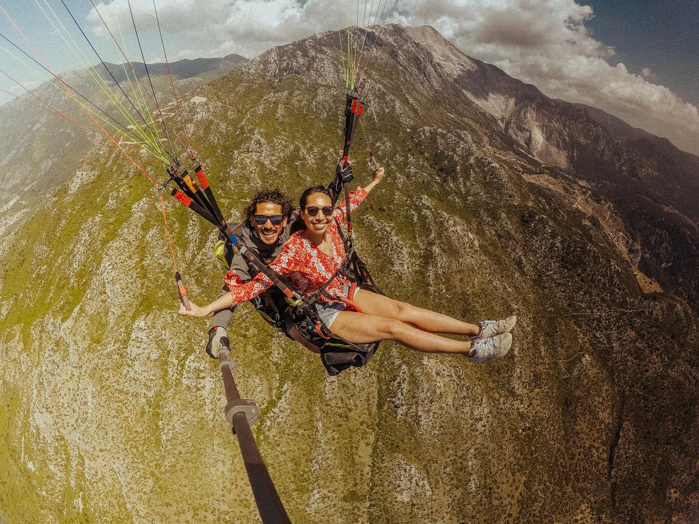 梅尔在土耳其达拉曼的Oludeniz Blue Lagoon滑翔伞(92人中有6人)