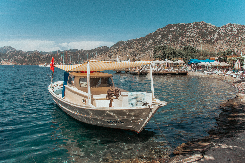 土耳其达拉曼的塞利米耶港(4个中的2个)