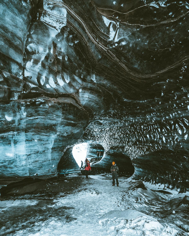冰川洞穴在Vik冰岛.jpg