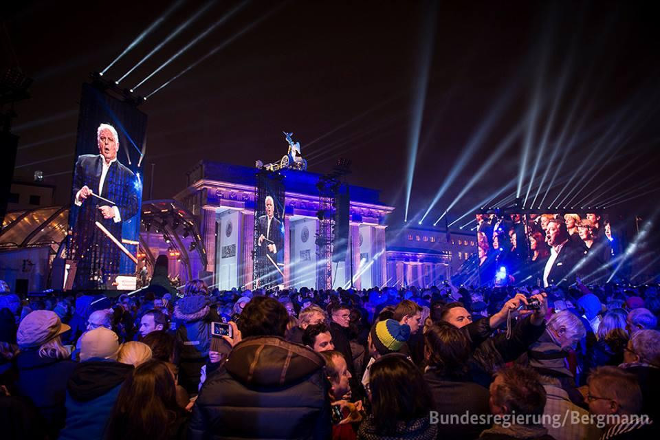 Rene_berlin wall.jpg
